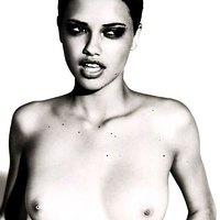 The hottest gallery of Adriana Lima's pics!