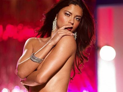 Adriana Lima and her lingerie photoshoot