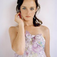 Alexis Bledel nude and hot pics!
