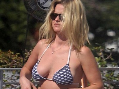 Alice Eve nearly loses her bra