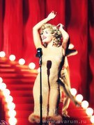 Angelika Varum nude 6
