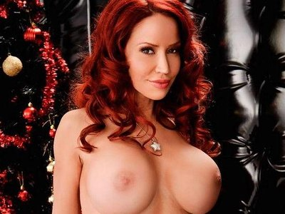 Busty Bianca Beauchamp poses naked