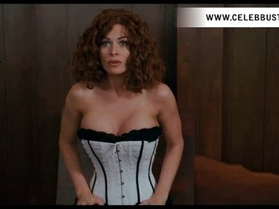 Carmen Electra In Scary Movie 4