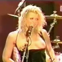 Courtney Love Music Concert Flashing
