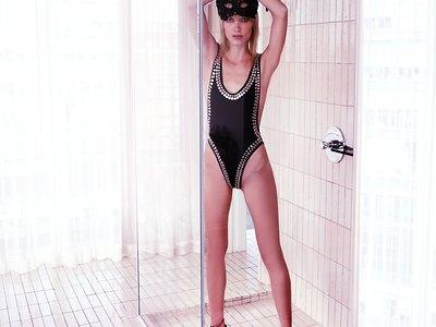 Alexandra Vittek  nackt