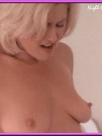Gina Everett  nackt
