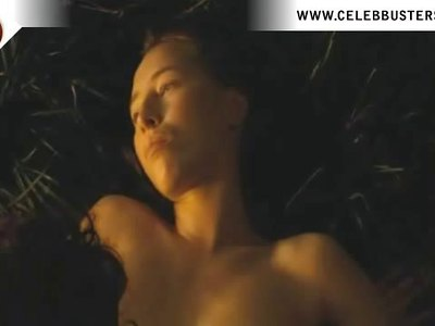 Isild Le Besco Nude  In Deep In The Woods