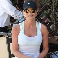 Jaime Pressly casual outfit and splendid body!