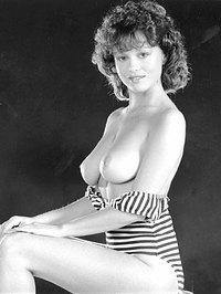 Janet Dibley  nackt