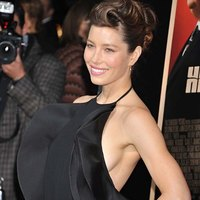 Fashionable dress of Jessica Biel