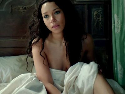 Jessica Parker Kennedy In Black Sails