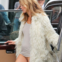 Kate Moss Flashing Her Bare Lady Top And Bottom Parts In London Street
