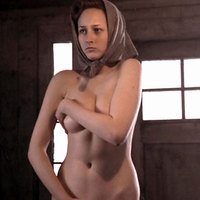 Leelee Sobieski Lee Lee Sobieski exposing her body and lets paparazzi shoot it