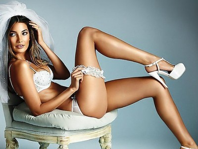 Lily Aldridge looks as a spoiled bride!