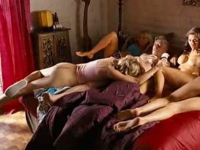 Guest nackt Lucie  Sex Top