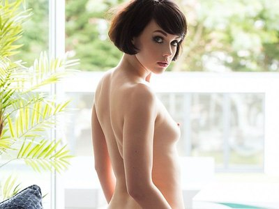Mellisa Clarke Topless Nudity