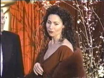Minnie Driver appearance on TV in teasing dress