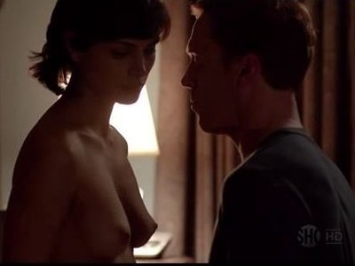 Sexy brunette Morena Baccarin gets laid