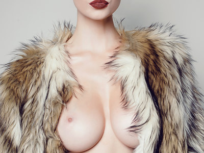 Olivia Rose topless and sexy