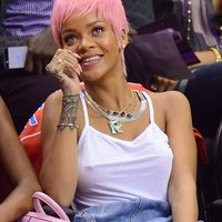 Rihanna Braless At Clippers Game