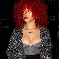 Rihanna exclusive pics!