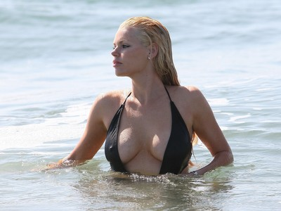 Sophie Monk Pictures
