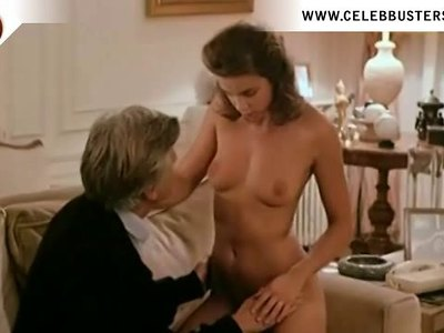 Valerie Kaprisky shows off her nude body in Lannee Des Meduses